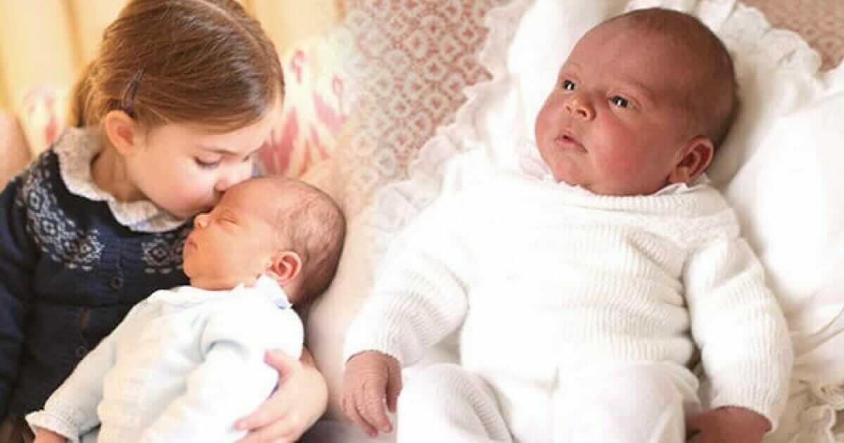 den kongelige familie viser de f248rste bilder av prins
